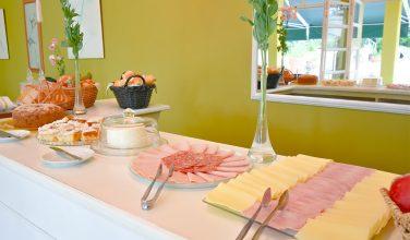Café da Manhã- Pousada Villa do Conde Brotas